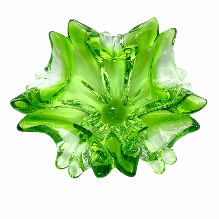 Murano Art Glass Bowl Catchall Green and Clear Vintage, Italy, 1970s In Good Condition In Nürnberg, DE