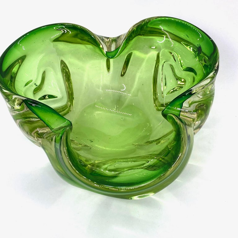 Murano Art Glass Bowl Catchall green and clear, Vintage, Italy, 1970s In Good Condition For Sale In Nürnberg, DE