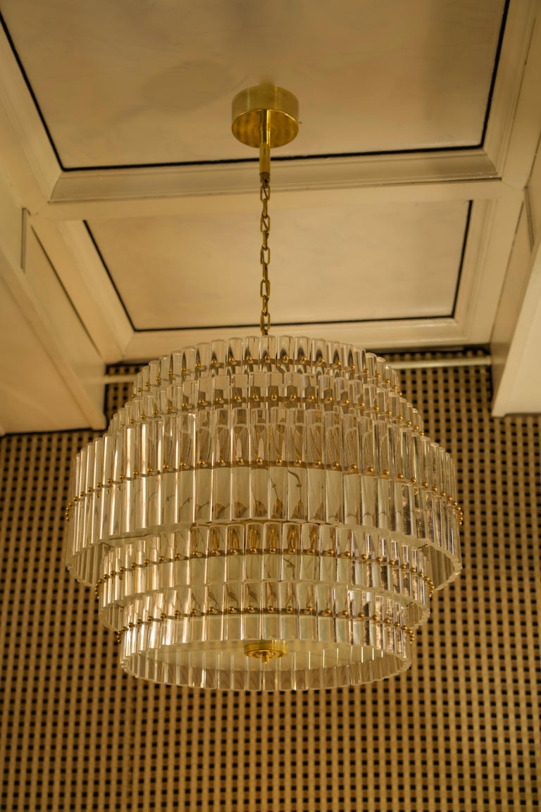 Murano Art Glass Transparent and Brass Chandelier, 1970 For Sale 1
