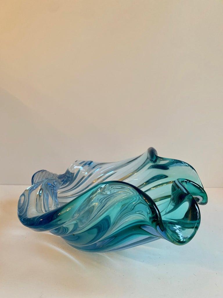 Mid-Century Modern Murano Barbini Sommerso Blue Italian Art Glass Seashell Bowl For Sale