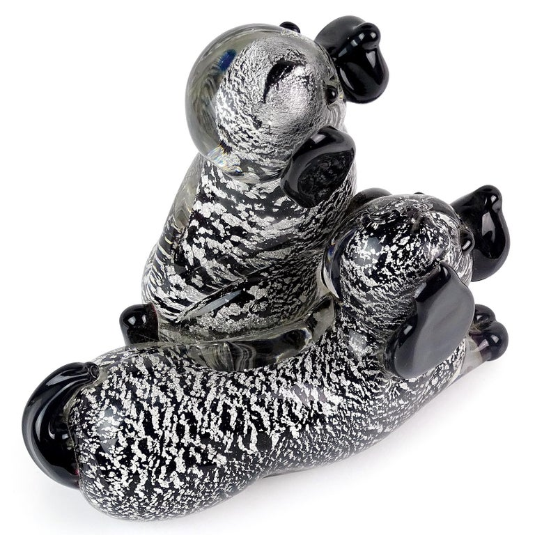 Murano Black Silver Flecks Italian Art Glass Double Puppy Dog Figure Sculpture In Good Condition For Sale In Kissimmee, FL