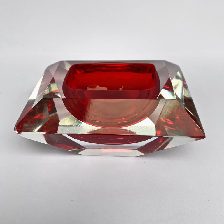 20th Century Murano bowl, Flavio Poli, submerged glass. Cut and ruby color, Italy, 50s For Sale