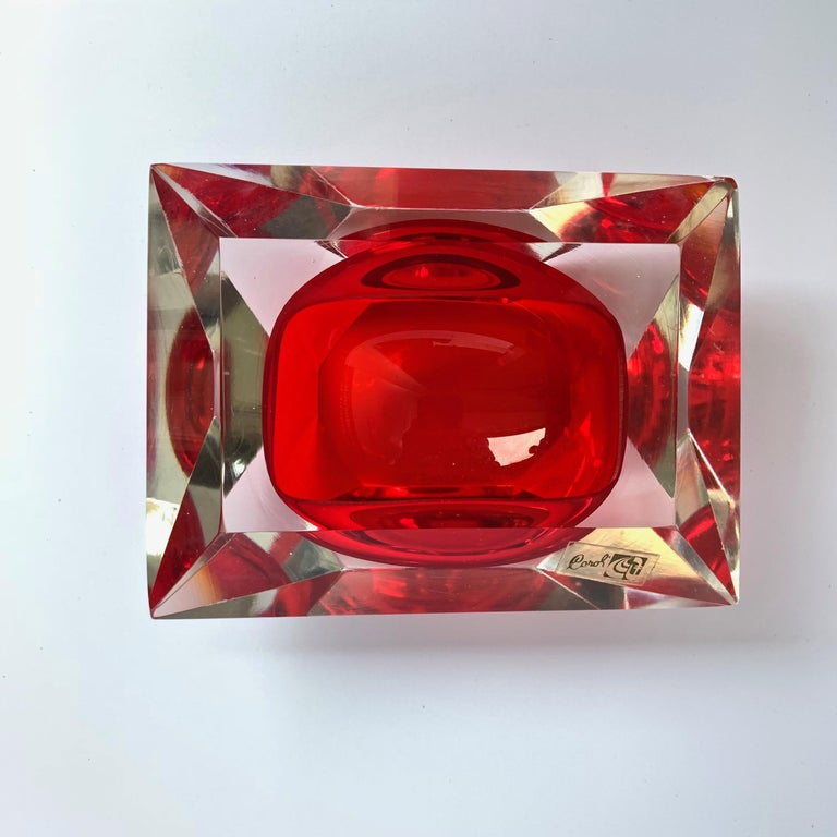 Glass Murano bowl, Flavio Poli, submerged glass. Cut and ruby color, Italy, 50s For Sale