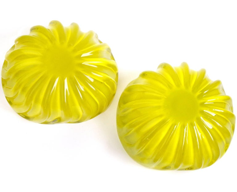 Murano Bright Yellow over Black Italian Art Glass Decorative Ribbed Candy Bowl In Good Condition For Sale In Kissimmee, FL
