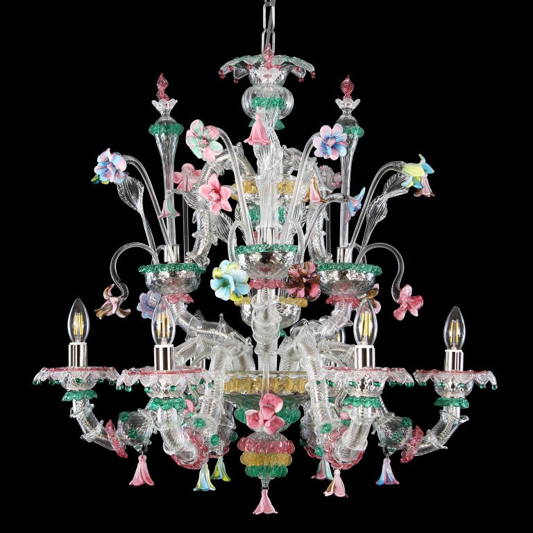 Rezzonico chandelier 6 arms, crystal Murano glass, rich of multi-color details with a predominance of the green color particulars by Multiforme. This artistic glass chandelier is an elegant and delicate lighting work, colored with pastel tones. The