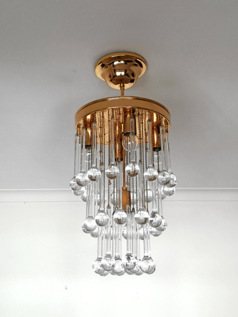 Murano Crystal Glass Drop Waterfall and Gilt Brass Venini Style Chandelier In Good Condition For Sale In Coimbra, PT