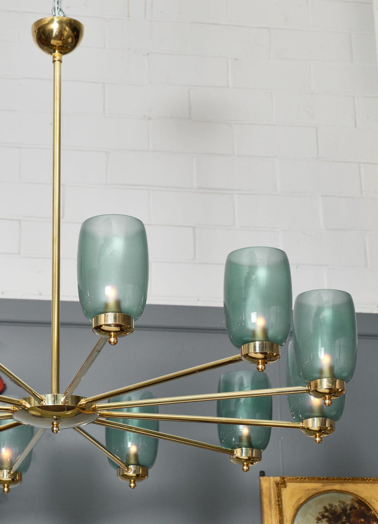 Murano Glass and Brass 12-Arm Chandelier For Sale 1