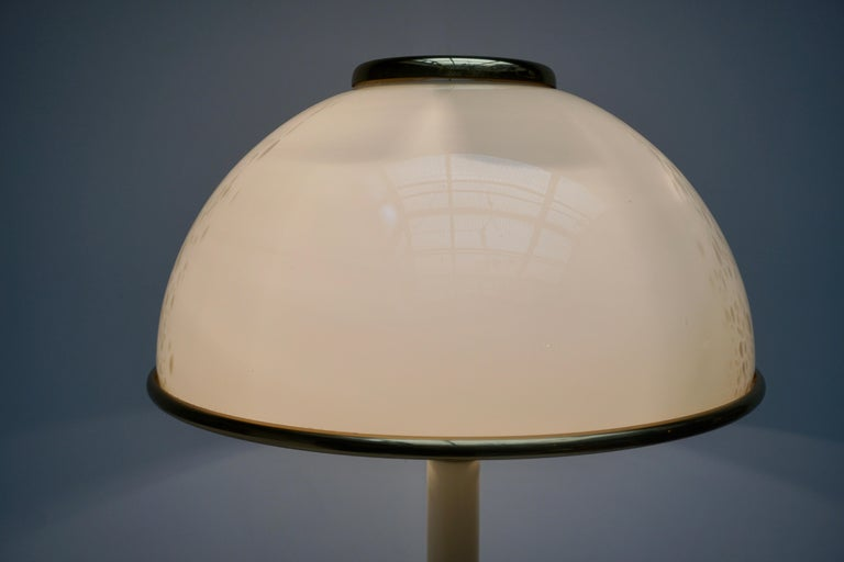 Murano Glass and Brass Floor Lamp For Sale 3