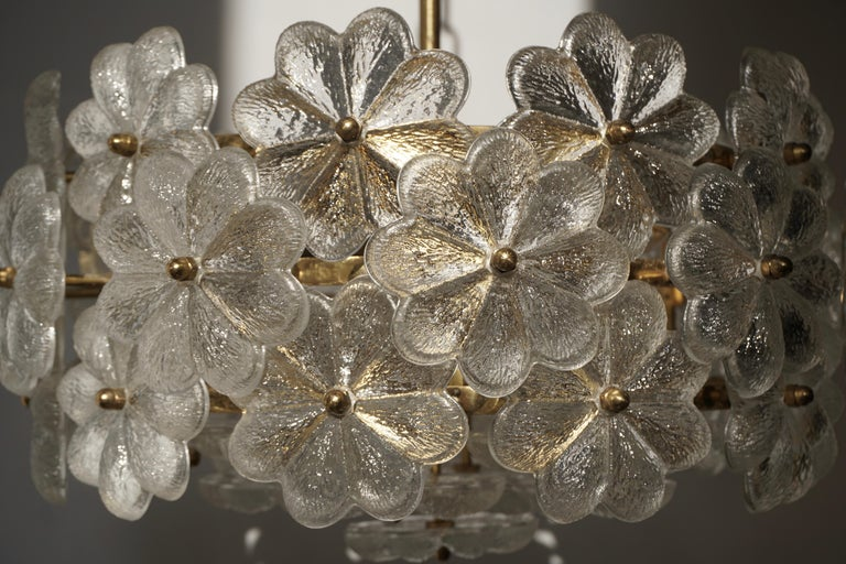 Murano Glass and Brass Flower Chandelier For Sale 5