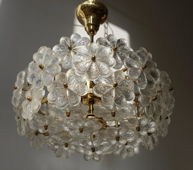 Murano Glass and Brass Flower Chandelier For Sale 6