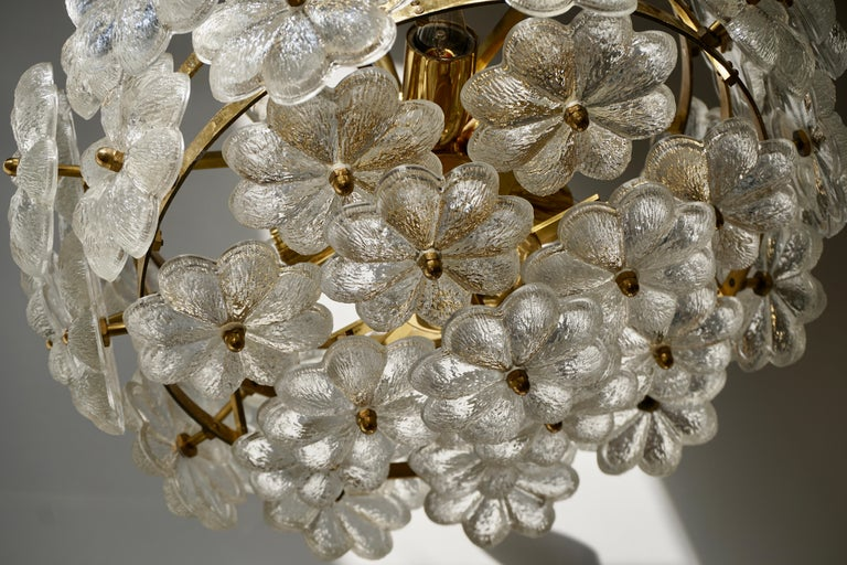Murano Glass and Brass Flower Chandelier For Sale 7