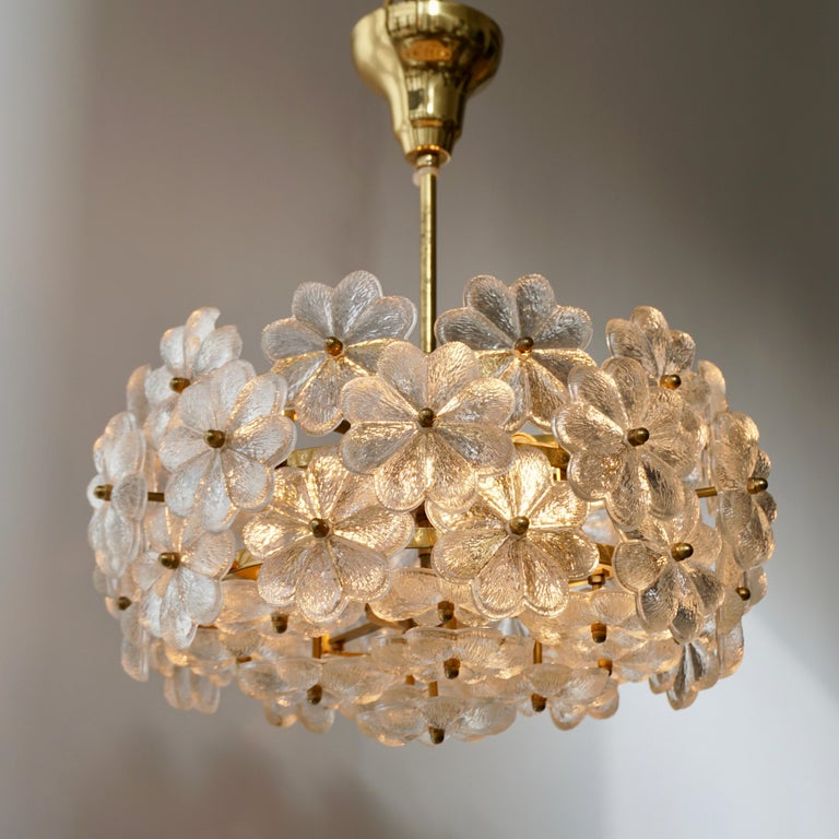 20th Century Murano Glass and Brass Flower Chandelier For Sale