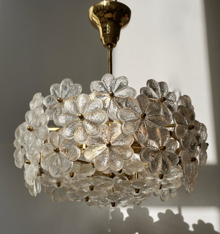 Murano Glass and Brass Flower Chandelier For Sale 1