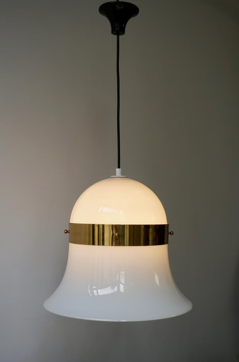 Murano Glass and Brass Penant Light In Good Condition For Sale In Antwerp, BE
