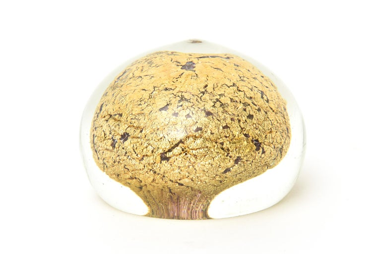 Mid-20th Century Murano Glass Barovier e Toso Dome Paperweight Sculpture For Sale