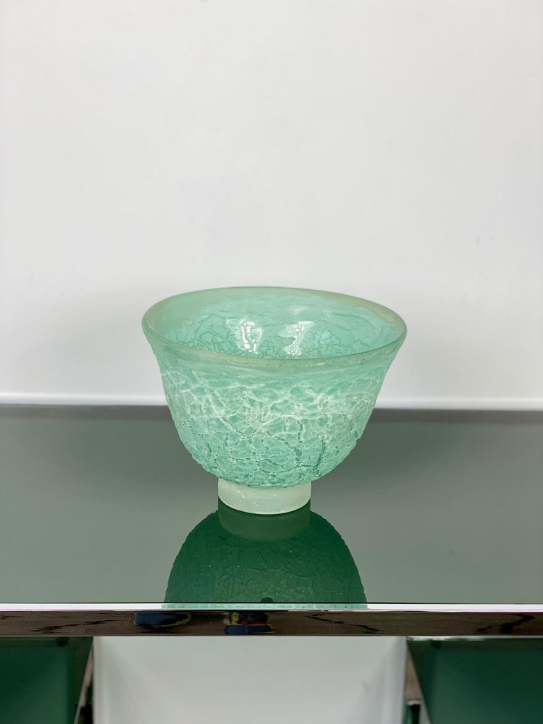 Mid-Century Modern Murano Glass Blow Centrepiece Vase Signed Cenedese Scavo Technique, Italy, 1970s For Sale