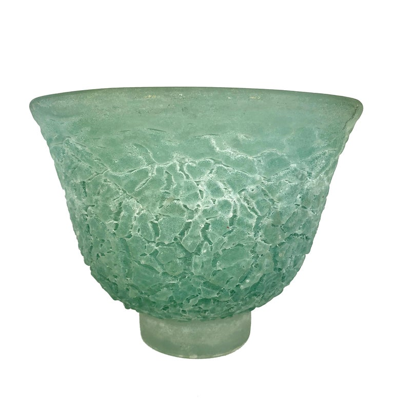 Modern Murano Glass Blow Centrepiece Vase Signed Cenedese Scavo Technique, Italy, 1980s For Sale