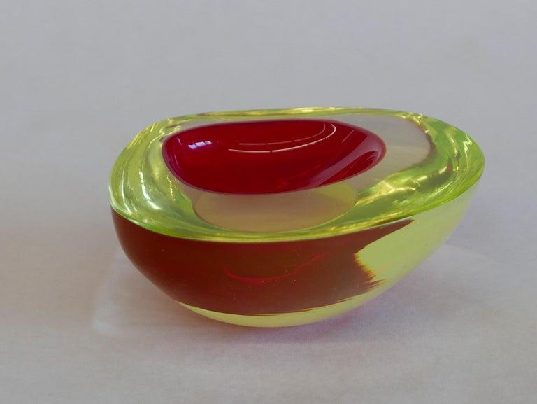 Murano Glass Bowl by Antonio da Ros for Gino Cenedese circa 1960 In Good Condition For Sale In Kilmarnock, VA