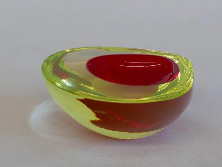 Murano Glass Bowl by Antonio da Ros for Gino Cenedese circa 1960 For Sale 1