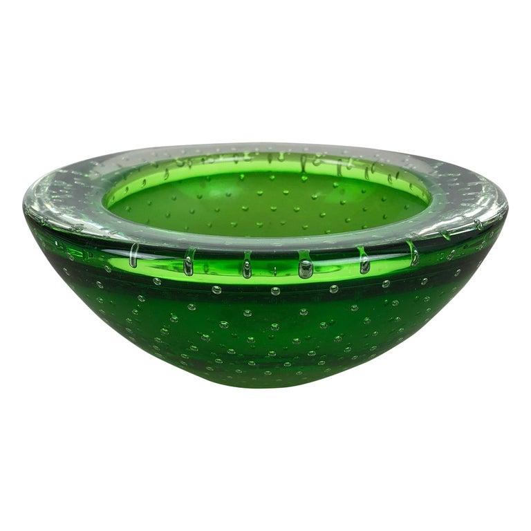 """Murano Glass Bullicante """"Green"""" Bowl Element Shell Ashtray Murano, Italy, 1970s For Sale"""