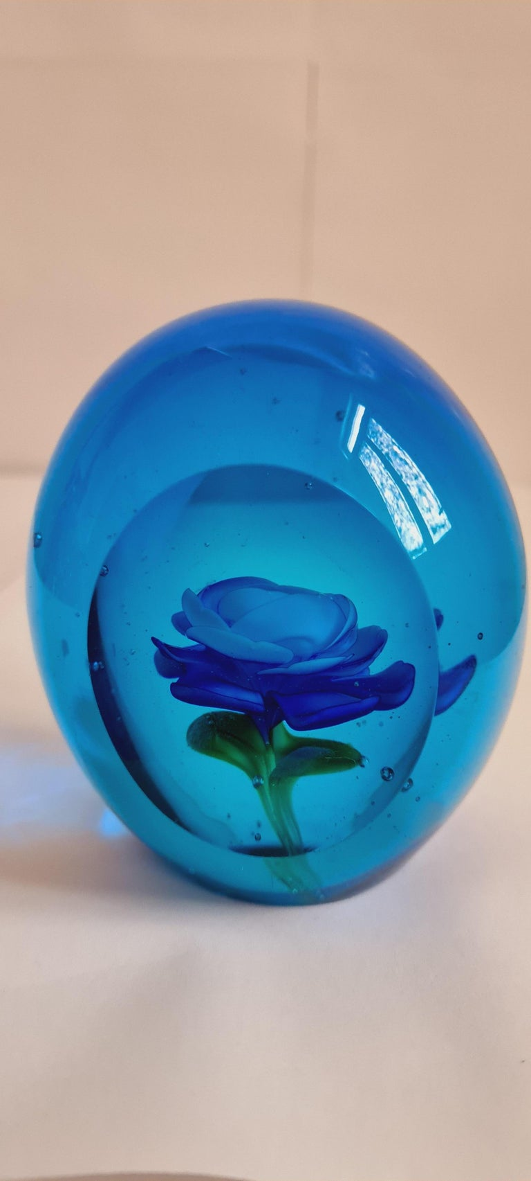 Beautiful blue Murano glass faceted floral paperweight attributed to Archimede Seguso. In excellent condition.