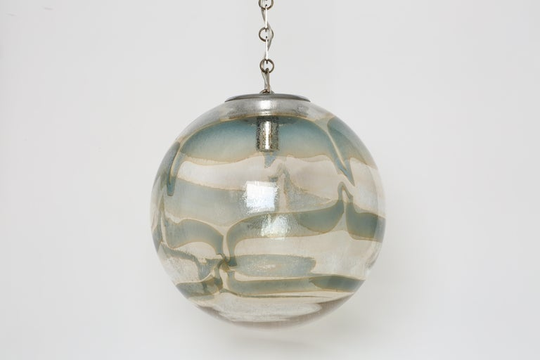 Murano Glass Globe Pendant In Good Condition For Sale In New York, NY