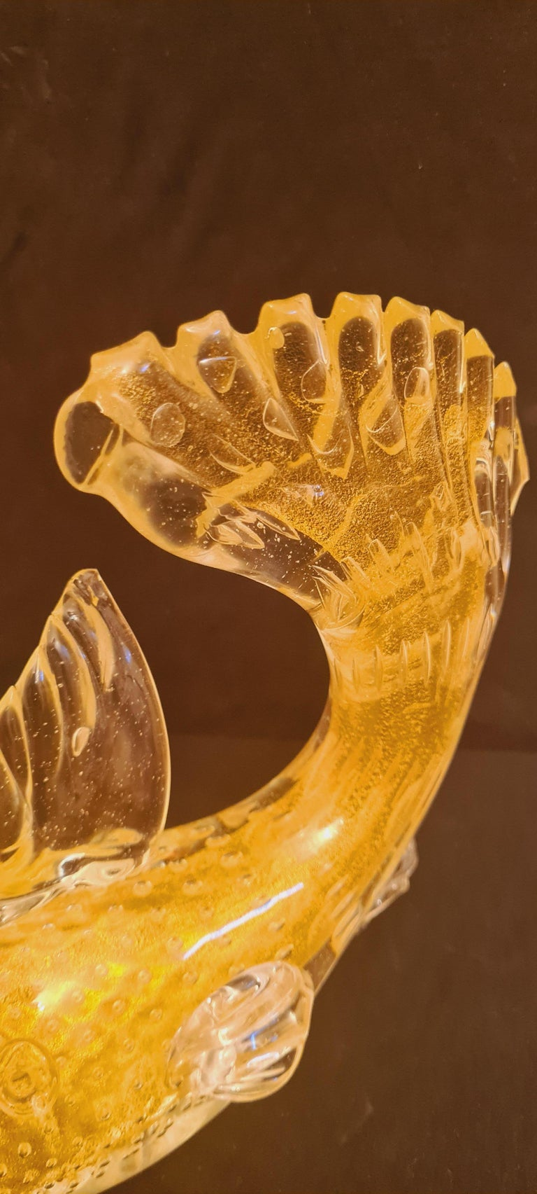 Beautiful mid-century Murano cordonato d`oro glass fish with gold leaf and with controlled bubbles, attributed to Archimede Seguso; years 1940-1946. In excellent condition.