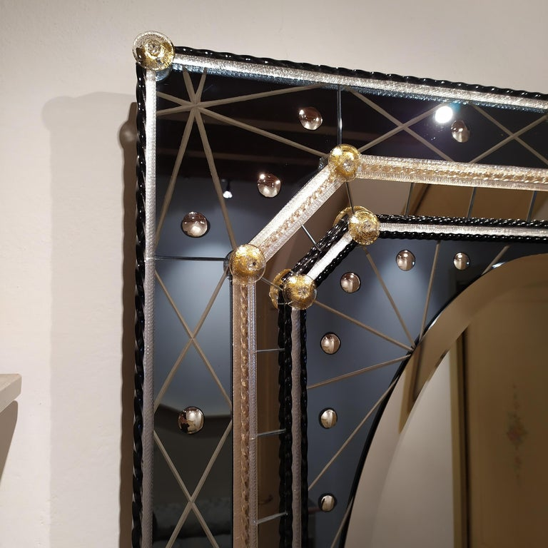 Contemporary Murano Glass Mirror with Polished Bubbles Engraving on Steel-Colored Mirror For Sale
