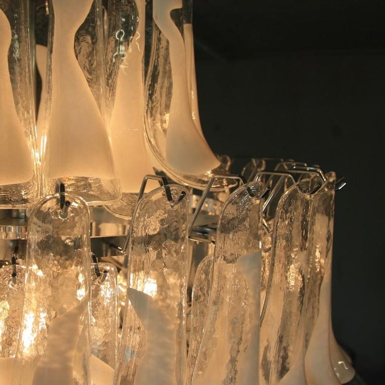 Murano Glass Saddle form Chandelier In Good Condition For Sale In Berlin, Berlin