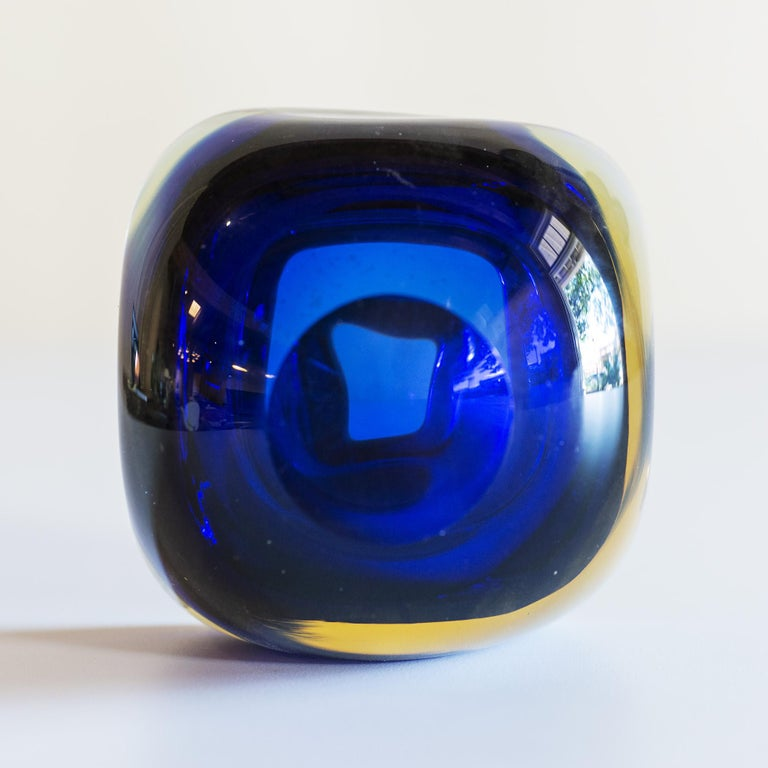 Murano Glass Sommerso Square Bowl in Blue and Yellow, 1960s In Good Condition For Sale In Santa Fe, NM