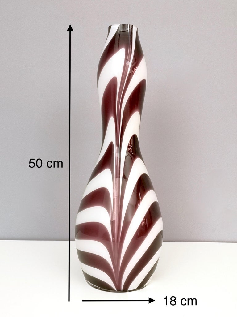 "Murano Glass Vase ""Wave"" by Carlo Moretti, Italy, 1970s For Sale 3"
