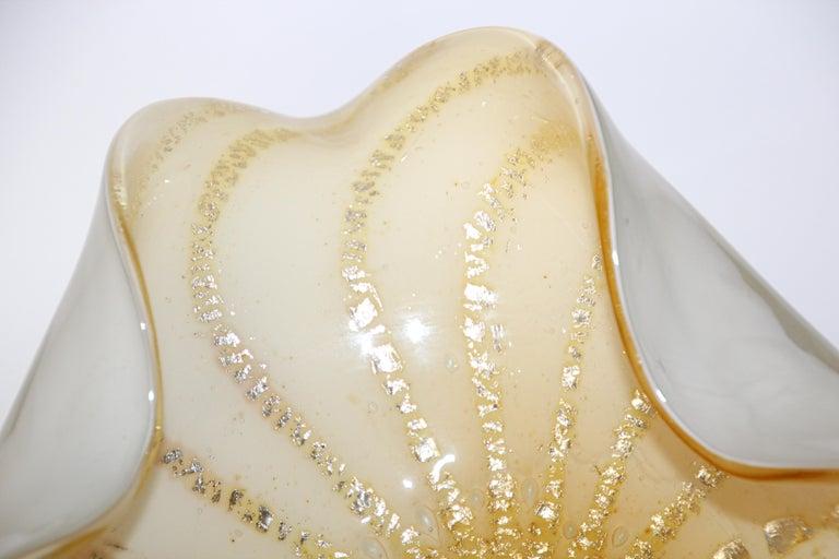 Alfredo Barbini Murano White Gold Venetian Hand Blown Art Glass Bowl For Sale 9