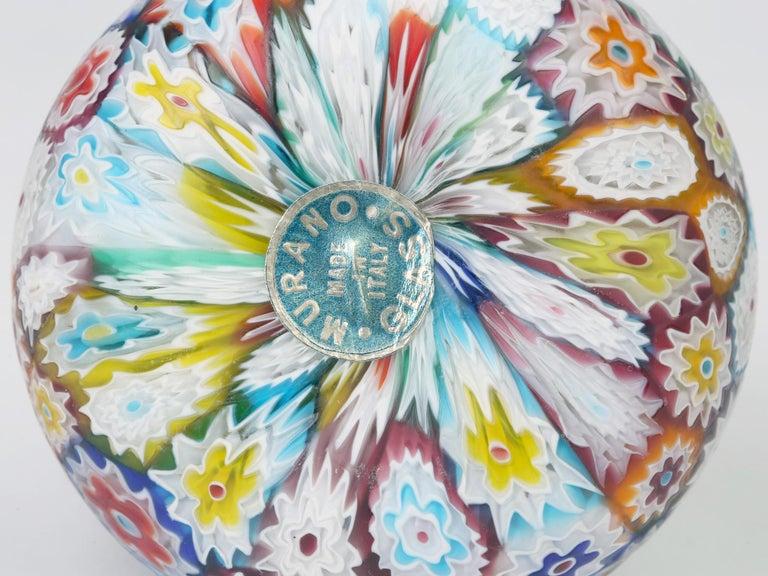 Murano Italian Hand Blown Twin Handled Bottle Shaped Millefiori Art Glass Vase In Good Condition For Sale In Bishop's Stortford, Hertfordshire