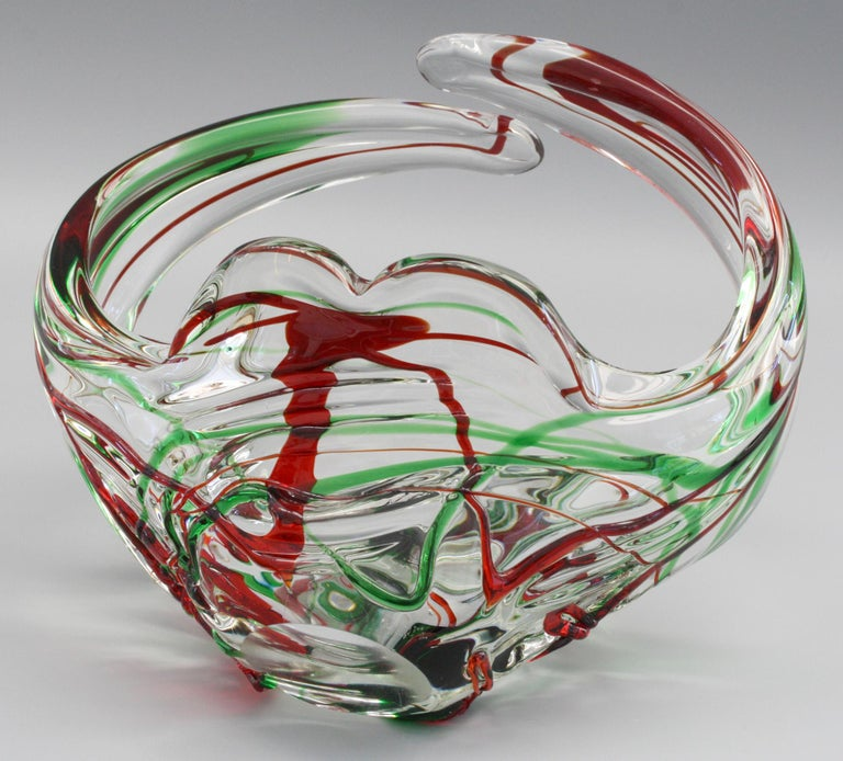 Murano Italian Midcentury Art Glass Bowl with Red and Green Trailed Designs For Sale 3