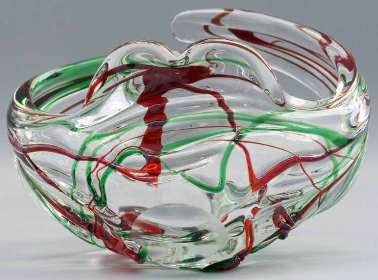 Murano Italian Midcentury Art Glass Bowl with Red and Green Trailed Designs For Sale 5