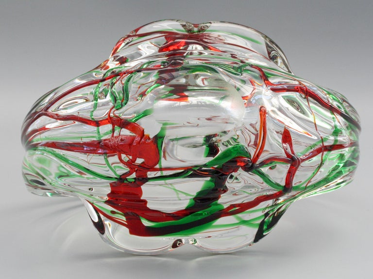 Murano Italian Midcentury Art Glass Bowl with Red and Green Trailed Designs For Sale 6