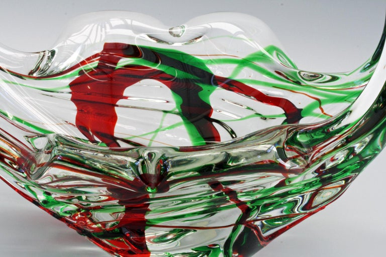 Hand-Crafted Murano Italian Midcentury Art Glass Bowl with Red and Green Trailed Designs For Sale