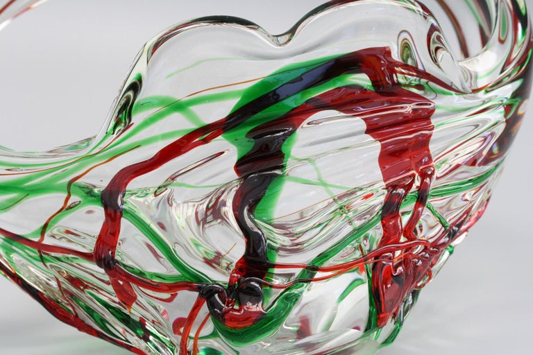 Murano Italian Midcentury Art Glass Bowl with Red and Green Trailed Designs For Sale 1