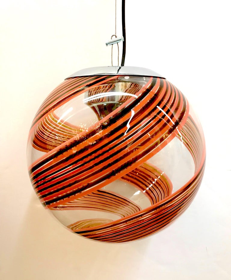 Murano Italy, 1970s Clear with Amber and Blush Spiral Globe Pendant For Sale 1
