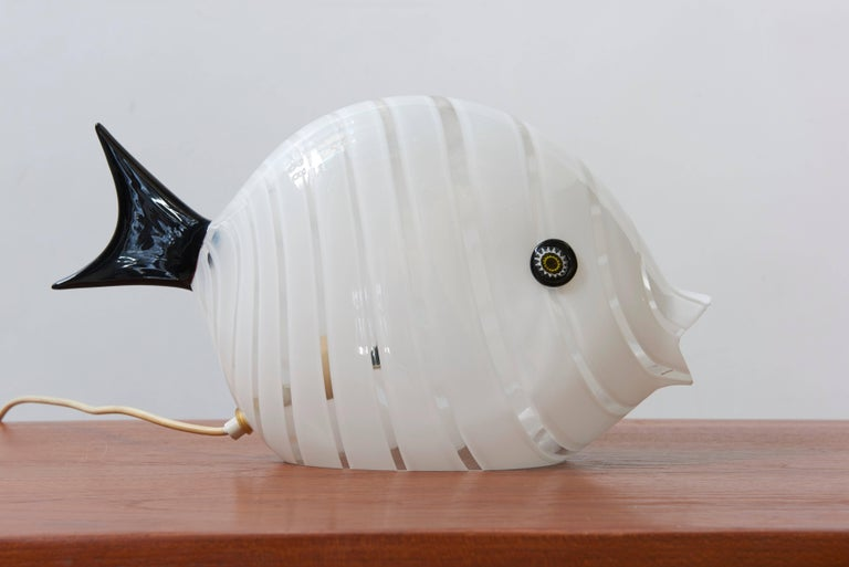 Late 20th Century Murano Mid-Century Modern Large Glass Fish Table Lamp, Italy, 1970s For Sale
