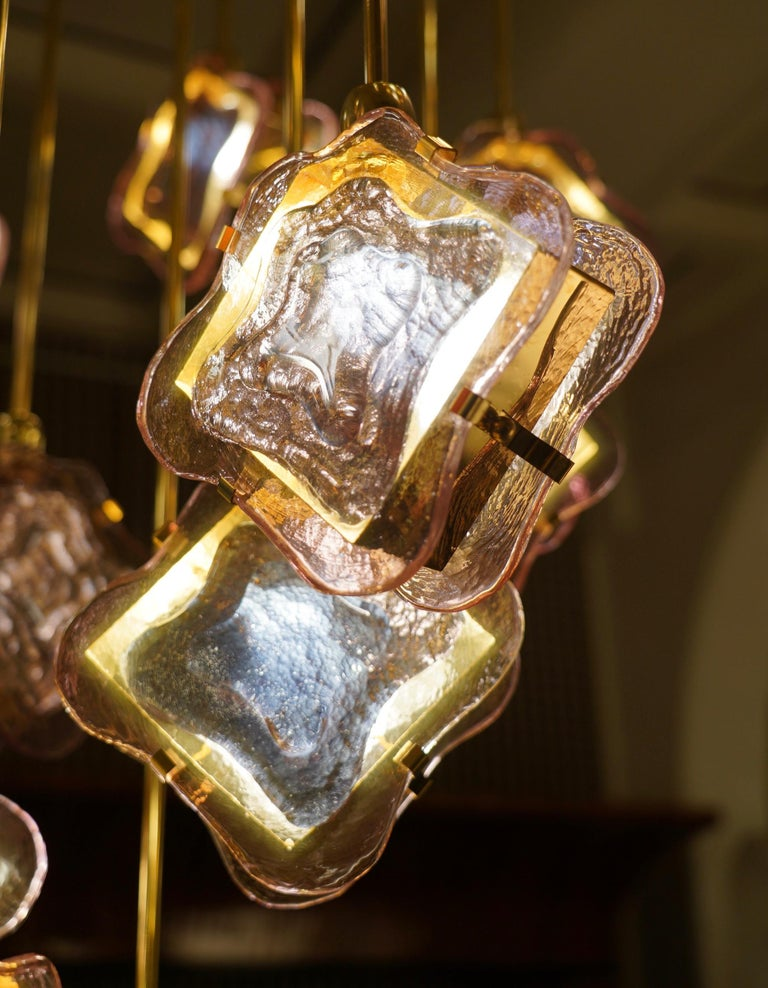 Murano Midcentury Artglass and Brass Chandelier, 1970 In Good Condition For Sale In Rome, IT