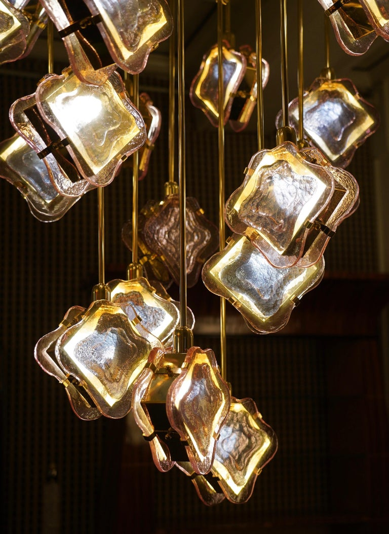 Murano Midcentury Artglass and Brass Chandelier, 1970 For Sale 1