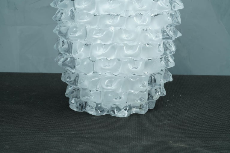 Murano Midcentury Round White Color Italian Vase, 1970 In Excellent Condition For Sale In Rome, IT