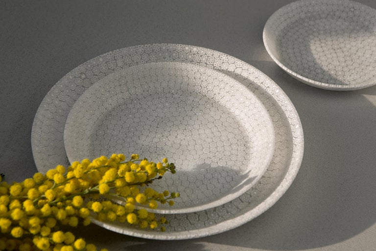 Designed by the Italo-Japanese couple Shiina+Nardi design, this plate is manufactured in Murano (Venice) by Ercole Moretti for Hands on Design, one of the last artisan dealing with this rare technique. Bouquet is the expression of a modern shape for