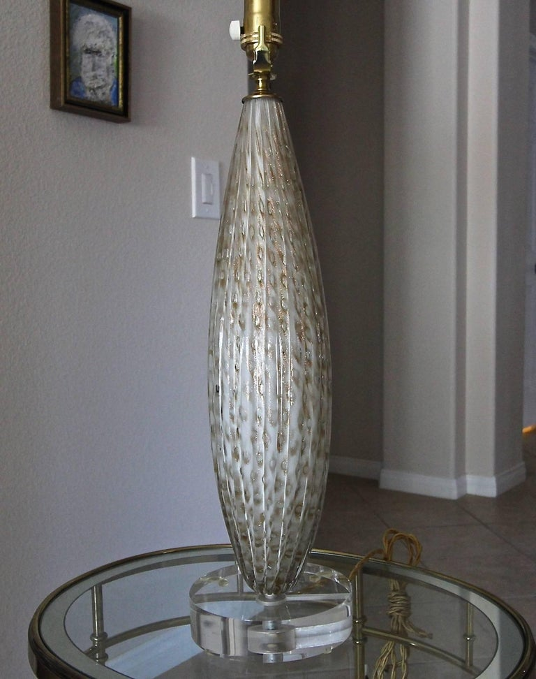 Mid-20th Century Murano Oval Glass White Aventurine Table Lamp For Sale