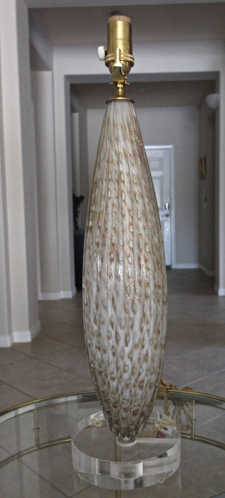 Murano Oval Glass White Aventurine Table Lamp For Sale 3