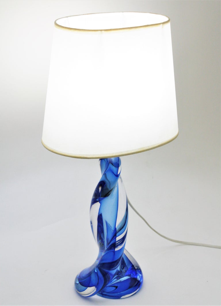 Murano Seguso Vetri d'Arte Sommerso Blue and Clear Glass Twisted Table Lamp For Sale 6
