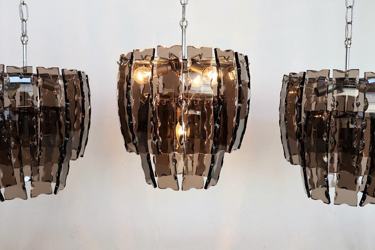 Italian Midcentury Murano Glass and Chrome Chandelier, 1970s In Good Condition For Sale In Clivio, Varese