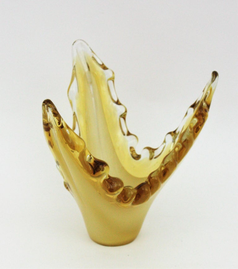 Murano Sommerso Scalloped Centerpiece Vase in Yellow, Amber and Clear Glass For Sale 1