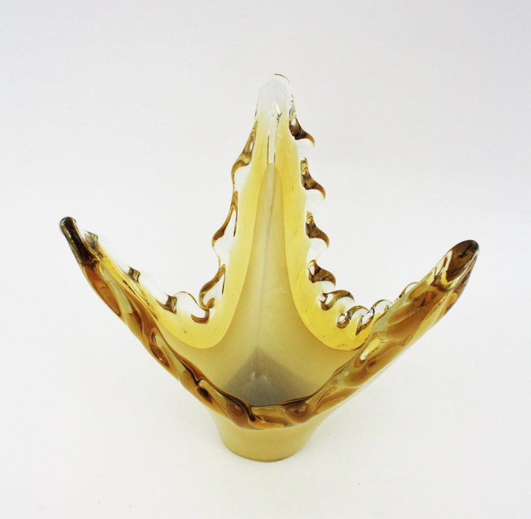 Murano Sommerso Scalloped Centerpiece Vase in Yellow, Amber and Clear Glass For Sale 3